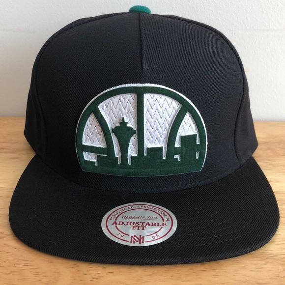 ec03adf4023 Mitchell   Ness NBA Seattle Supersonics Hat